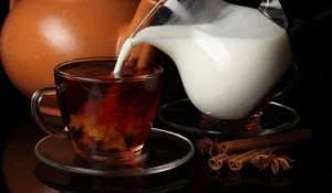cha-com-leite-a-iguaria-britanica-e-benefica
