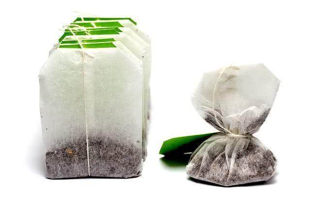 Você joga fora os saquinhos de chá? Aprenda a reutilizá-los!