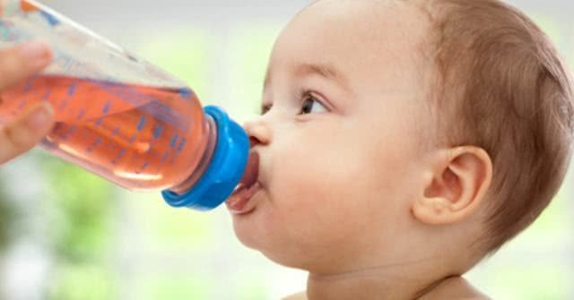 Bebê pode ou não tomar chá?
