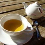 Descubra por que chá em excesso faz mal; confira dosagens ideais