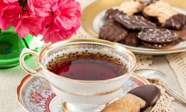 Aprenda a combinar chás com alimentos