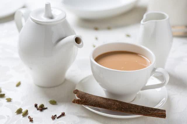 Imagem de xícara de chá com leite