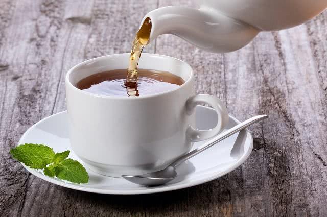 As regras infalíveis para se fazer um chá impecável e eficaz