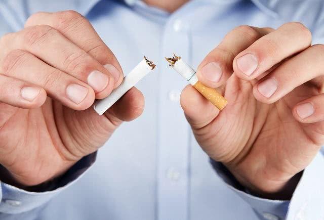Chá é capaz de ajudar você a parar de fumar de vez